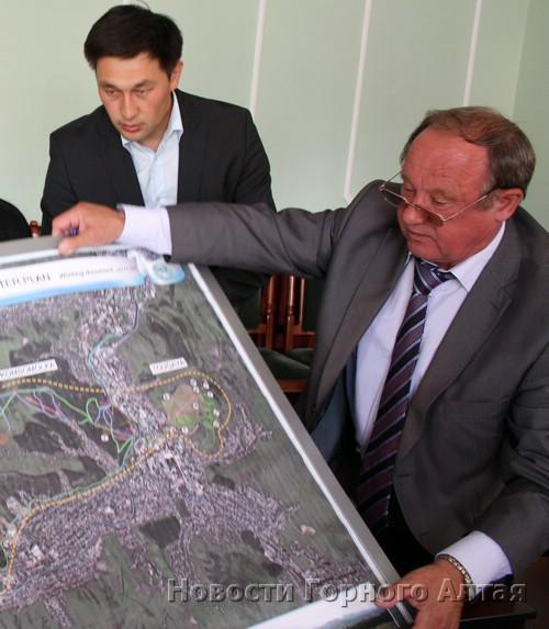 Эжеру Татину надоело смотреть, как мэр Облогин держит в своих руках власть над городом