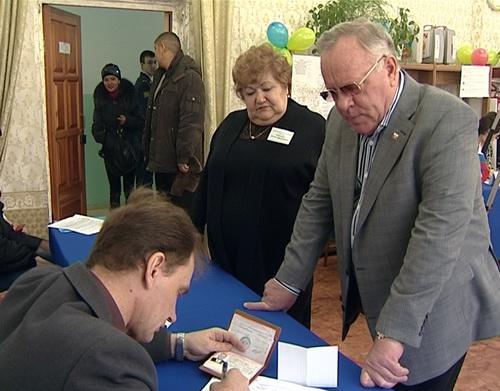 Глава Республики Алтай Александр Бердников проголосовал на выборах президента России