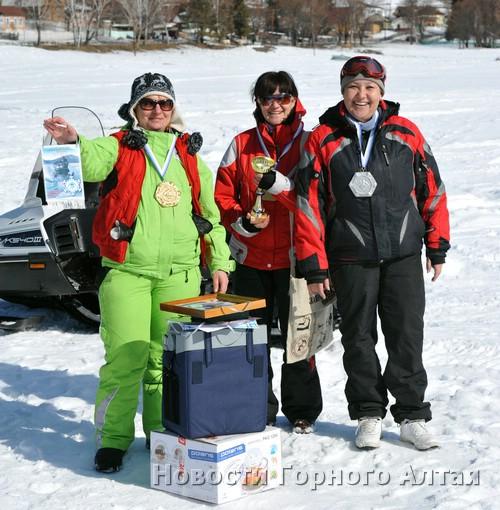 Победительницы: Тамара Смирнова, Александра Пощеленко, Ольга Дубровина