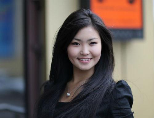 «Мисс Азия-2012» Арюна Бюбеева