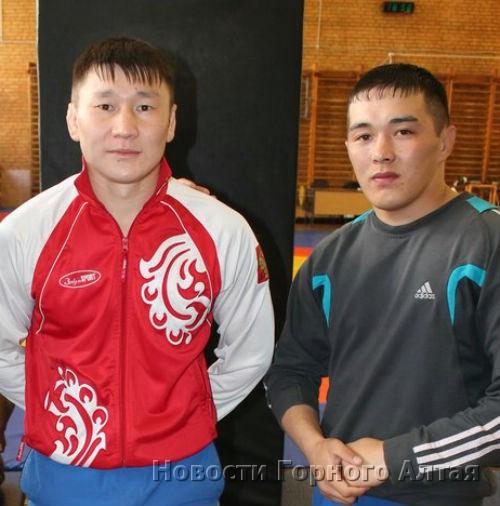 Аржан Алмадаков и Амат Юлдашев