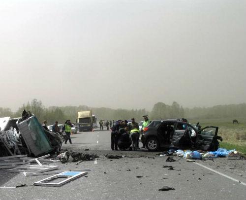 В ДТП погибла семья из четырех человек