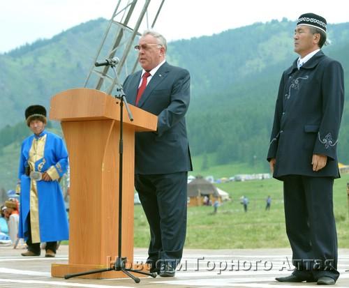 Глава республики Александр Бердников и спикер Госсобрания Иван Белеков