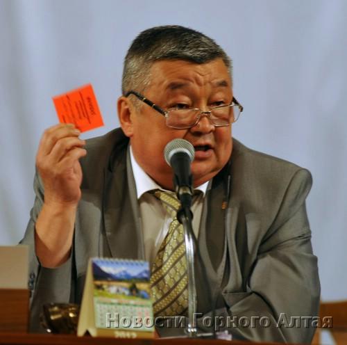 Председательствовал министр труда и соцразвития Геннадий Сумин