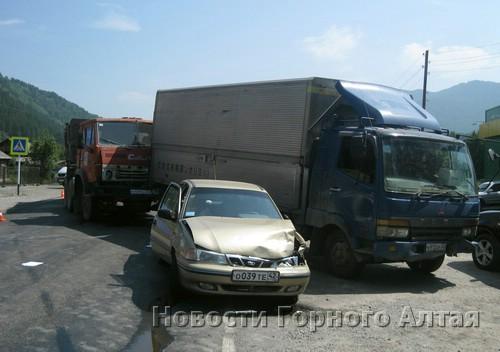КАМАЗ устроил ДТП в Манжероке
