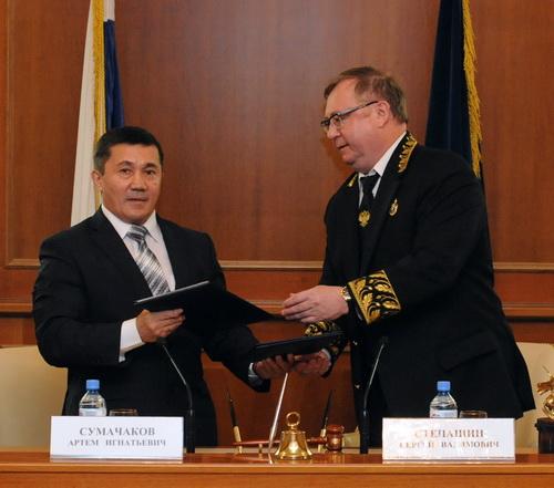Артем Сумачаков и Сергей Степашин подписали соглашение о сотрудничестве