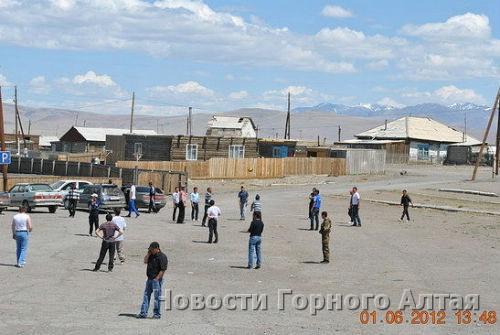 Поездка алтайцев по казахским селам обеспокоила власти
