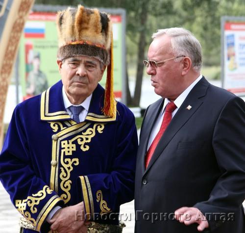 Бердников договорился с Шаймиевым о создании центра тюркской культуры…