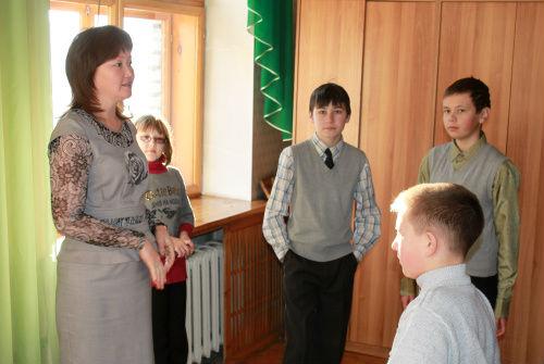 Наталья Манышева провела экскурсию для школьников