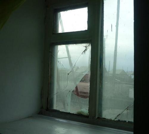 Администрация детсада не озаботилась ремонтом оконных проемов и заменой разбитых стекол