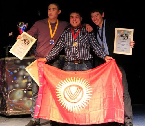Победители личного первенства - Эрдем Гомбоев, Улан Амадалиев, Аткыр Букачаков