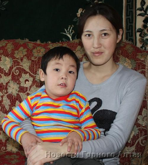 Наталья Течинова и ее сын Айдурхан