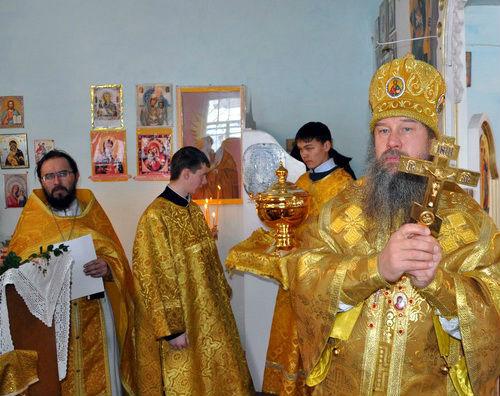 Епископ Максим возглавил богослужение…