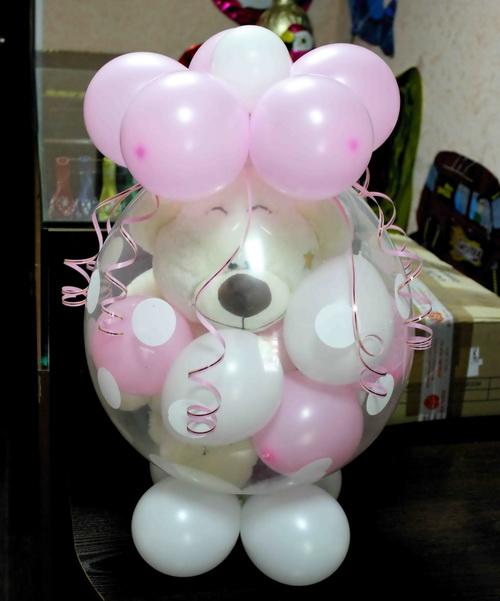 Игрушка в воздушном шаре