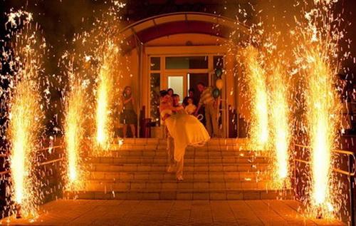 Свадебная дорожка из фонтанов
