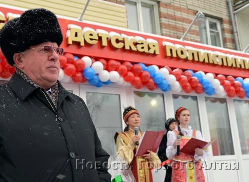 Александр Бердников зачислил новое отделение поликлиники в свой политический актив