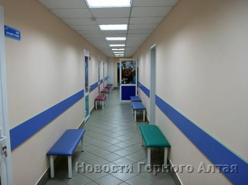 В здании поликлинического отделения