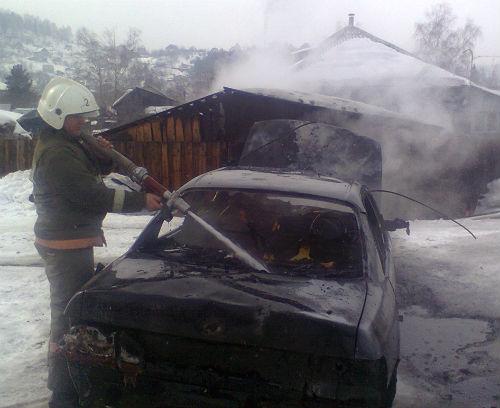 В Горно-Алтайске сгорела Toyota