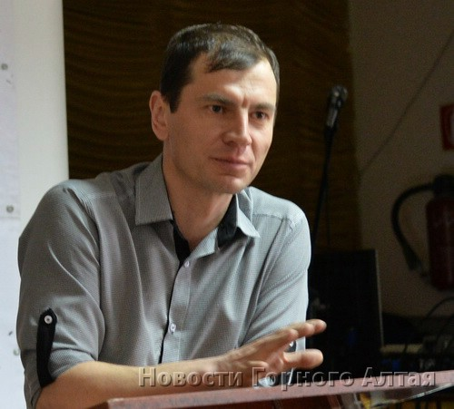 Михаил Лукашев отоваривается в «Марии-РА», хотя и знает, что местному бизнесу из-за нее плохо