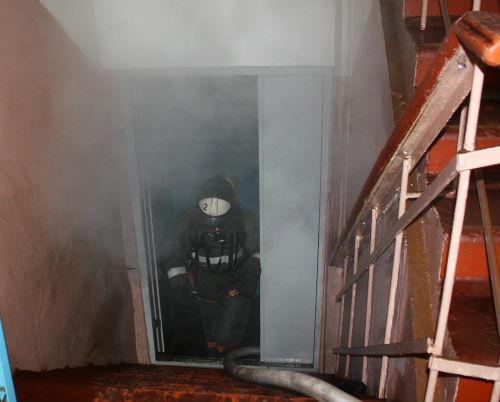 В здании торгового центра «Горный» произошел пожар