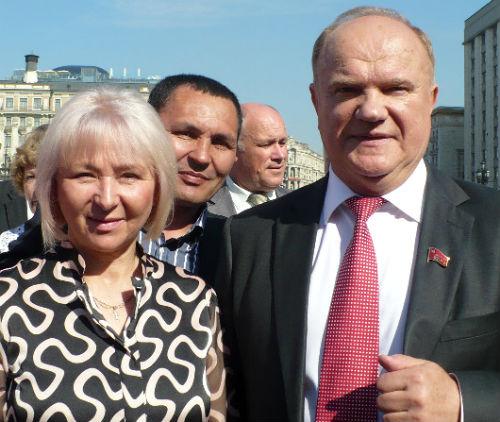 Лидия Прадед сфотографировалась с Геннадием Зюгановым
