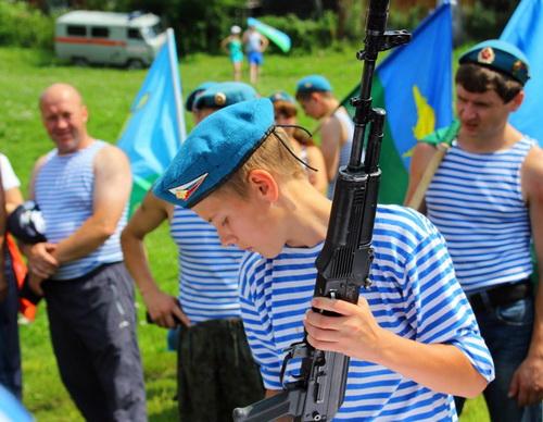 В Горно-Алтайске отметили День ВДВ