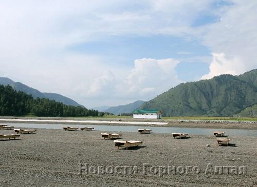 В Чемальском районе создали искусственное озеро