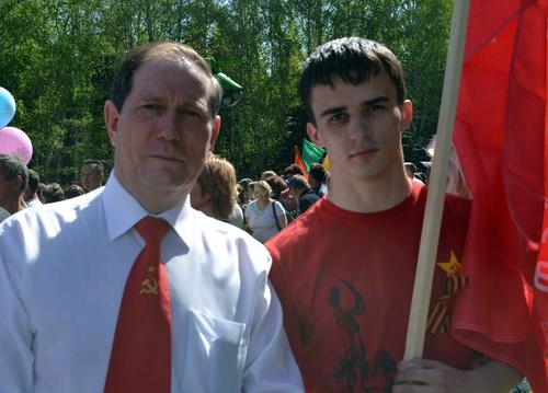 Лидером отделения ЛКСМ избран Александр Слобожанин (справа)