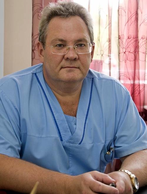 Игорь Вострокнутов предпочел заседаниям в Госдуме своих пациентов
