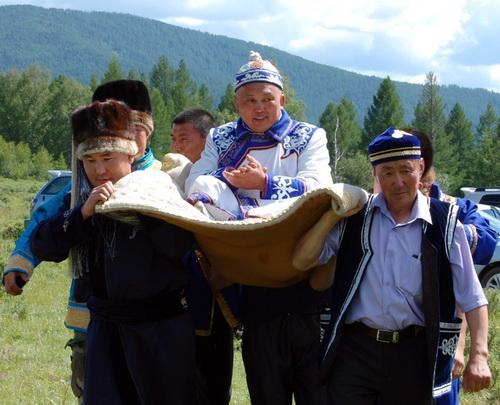 Суд Горно-Алтайска отказал Акай Кине в иске по поводу