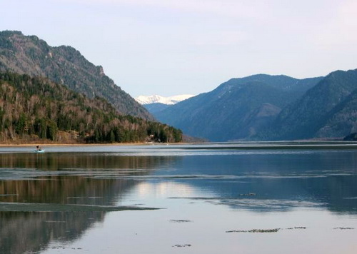На Телецком озере раньше обычного сошел лед