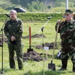 Министры поработали лопатами (фото)