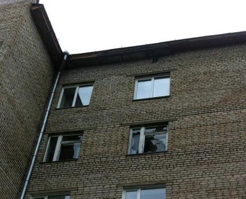 Выбитые градом окна. Фото Елена Кобзева, facebook.com