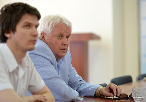 Виктор Калюжный подал документы в избирком