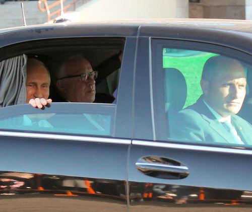 Кремлевские источники считают, что Бердников победит в первом туре. Фото: Наталья Сладкова