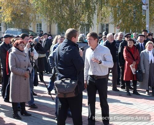 Многие участники не столько протестовали, сколько боролись с фотографом Александром Тырышкиным