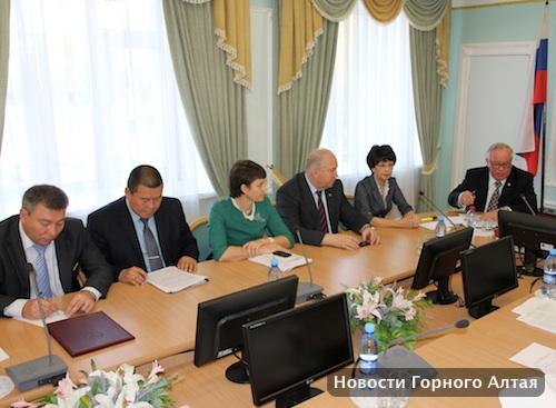 Бердников лично представил на комитетах кандидатуры своих заместителей