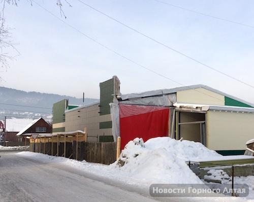 Суд обязал «Марию-РА» приостановить строительство магазина на «гардинке»