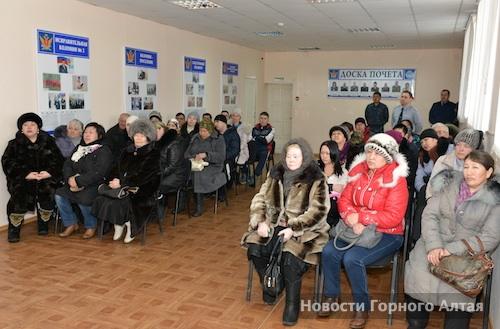 Около 40 человек пришли на встречу с руководством УФСИН
