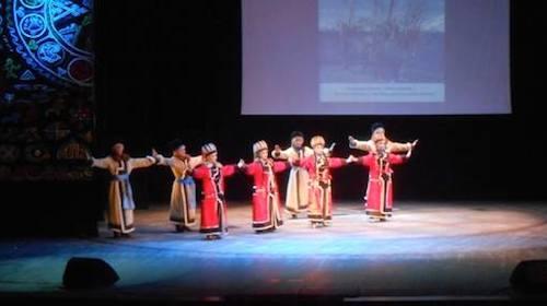 «Алтам» на сцене национального музыкально-драматического театра в Кызыле. Фото Светланы Мунзук