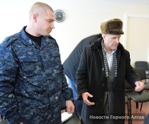 За получение взяток Макасеева и Шевердина взяли под стражу в зале суда