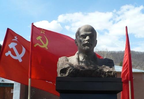 В Черном Ануе открыли памятник Ленину