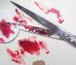 Пьяный мужчина порезал жену ножницами