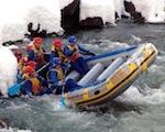 Девять рафтов с 21 туристом перевернулись на Башкаусе во время ледохода