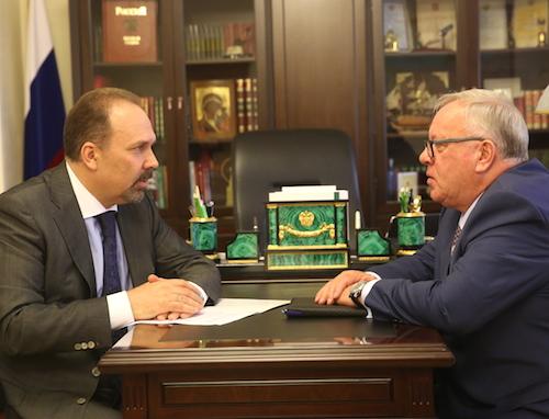 Бердников договорился о выделении средств на школу в Теленгит-Сортогое