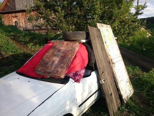 Как автомобили от града спасали. Фото: vk.com