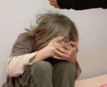 Опекун до смерти избила 3-летнюю девочку хлопушкой для ковров