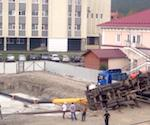 На прокурорской стройплощаке упал кран (фото)