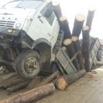В Ынырге рухнул автомобильный мост