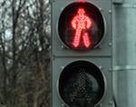 Водитель сбил женщину, переходившую «зебру» на красный свет, и скрылся с места ДТП